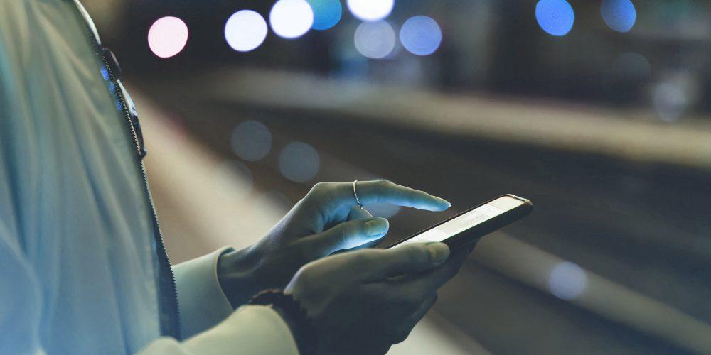 smartphone-user-web-stories